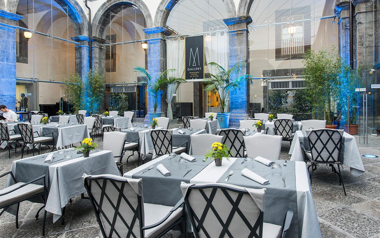 Il ristorante Nel Chiostro di Palazzo Caracciolo. Sosta gourmet nel cuore di Napoli