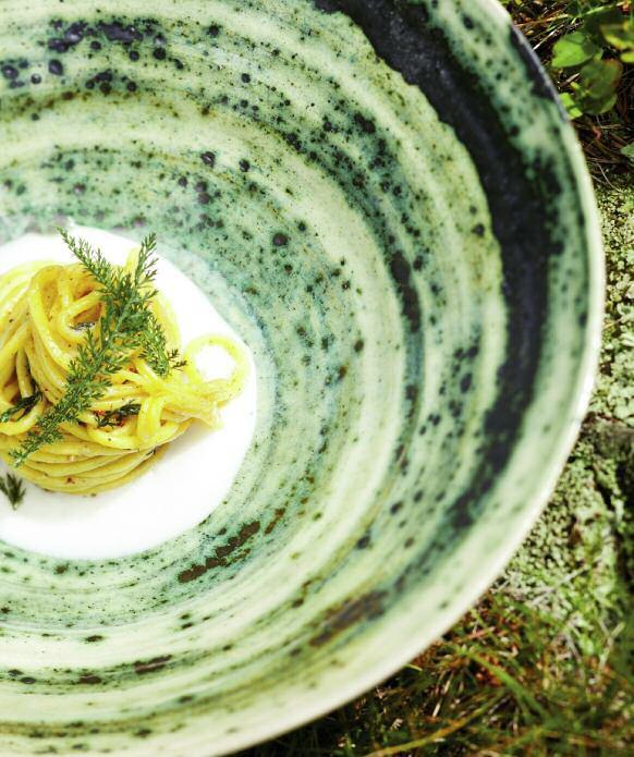 Spaghetti al lievito, verbena, achillea