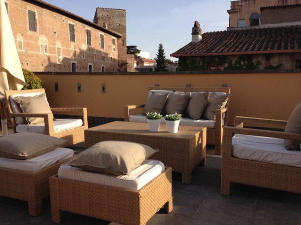 A Roma apre la terrazza dell'Hotel Capo d'Africa. Vista mozzafiato arricchita da una nuova proposta gastronomica