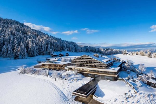 Natale sulle Dolomiti! E al Pfösl di Nova Ponente una notte è in regalo.
