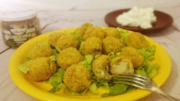 Crocchette di ricotta e patate con carciofini grigliati Valbona