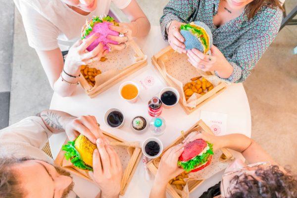 FLOWER BURGER – I colori della cucina vegana fanno il bis a Roma