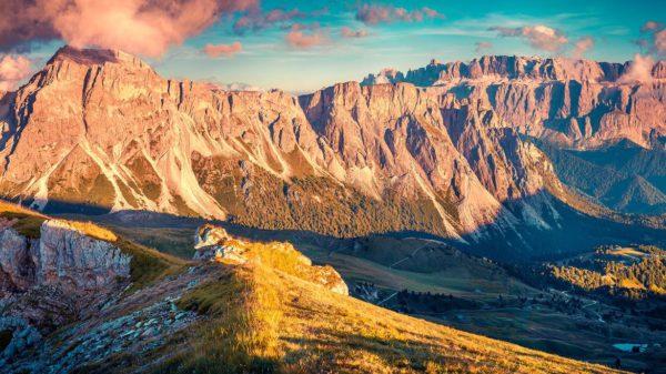 Etna e Dolomiti, gli europei ripartono (a viaggiare) dall'Italia