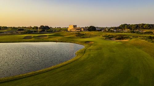 Golf è Donna. Il green è rosa nei Mira Hotels&Resort.