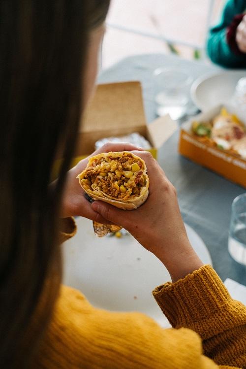 Glovo lancia Bendito Burrito. Virtual franchise per ristoranti