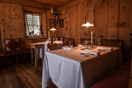 Cena in vetta con gli chef Guida e Martellini, al Suinsom
